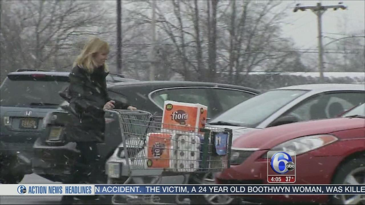 VIDEO: Snow showers not a problem in Delaware