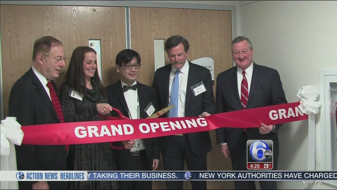 Mayor Kenney cuts ribbon on new clinic