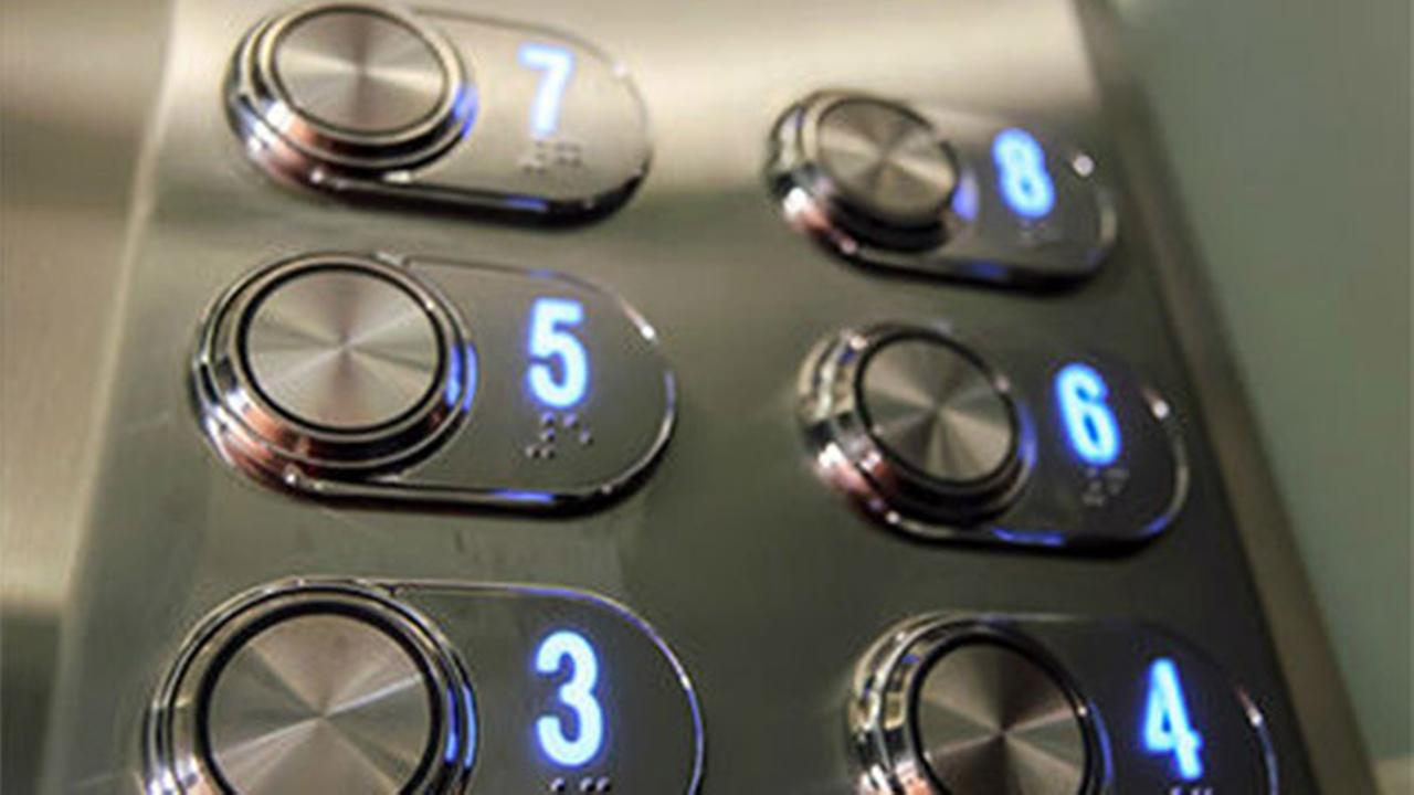 Woman dies after being trapped in elevator for month