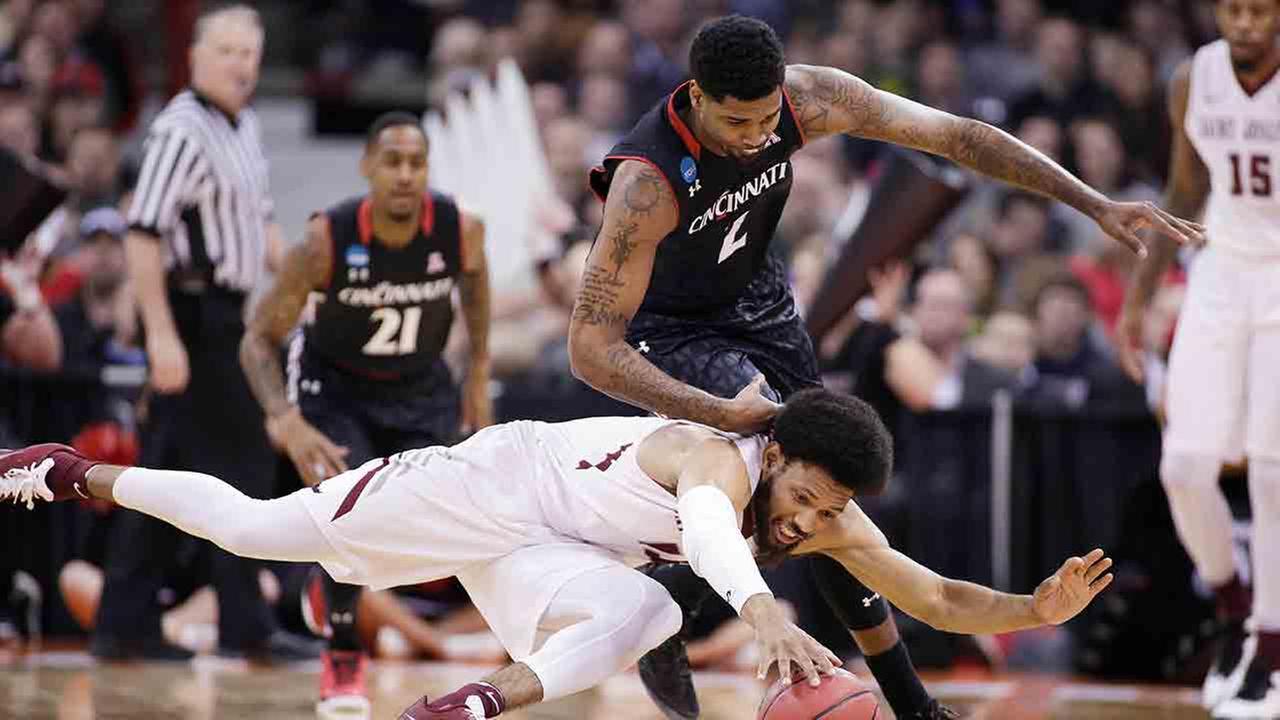 Saint Joseph's outlasts Cincinnati 78-76 in NCAA thriller
