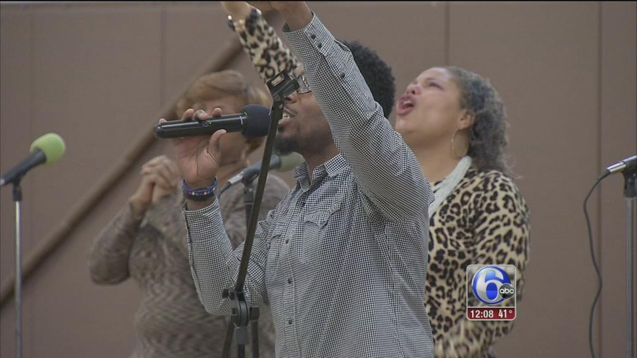VIDEO: Despite fire, church holds Palm Sunday service