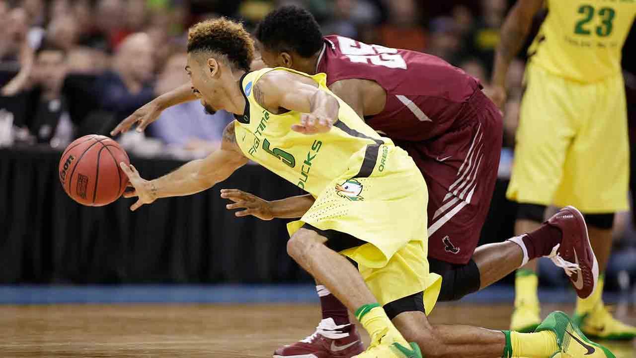 St. Joe's falls to Oregon 69-64 in NCAA tourney