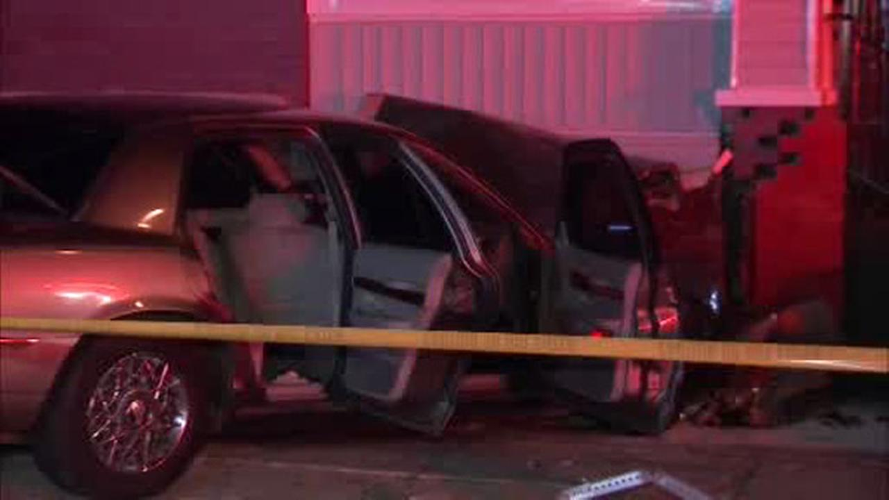 Driver crashes into building in Olney