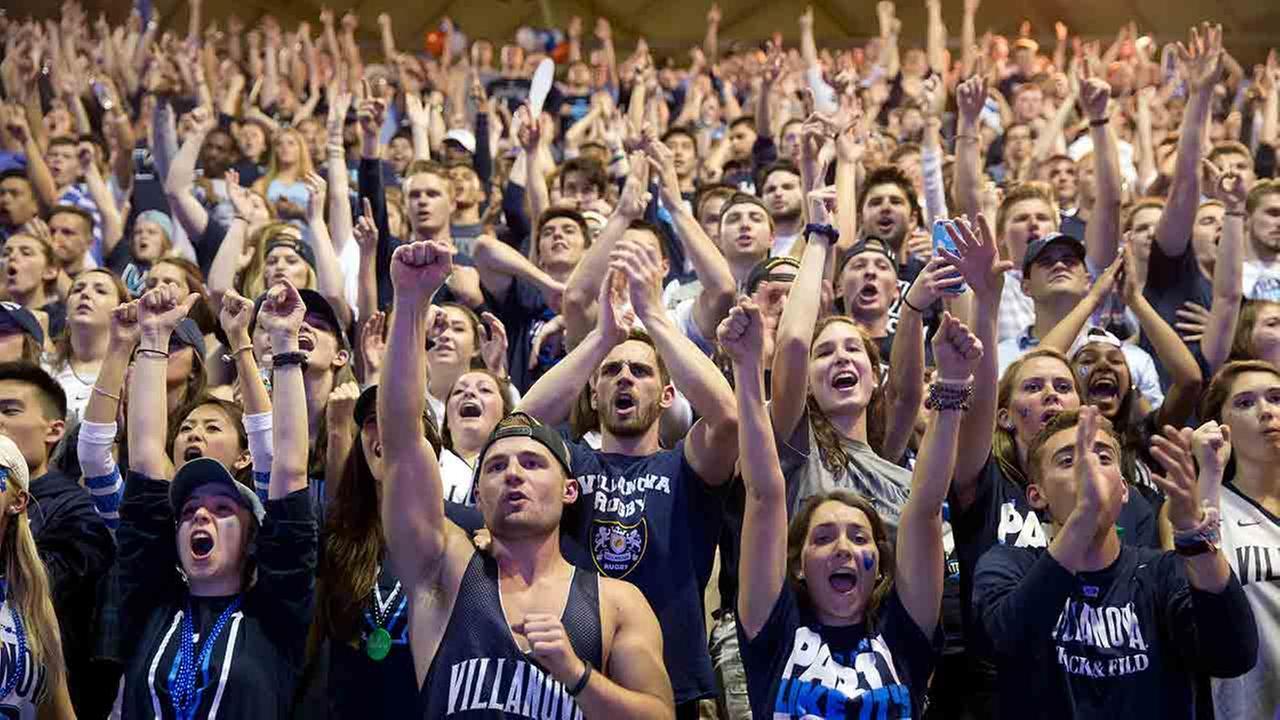 Villanova basketball fans view a broadcast of the national championship between Villanova and North Carolina, Monday, April 4, 2016, at in Villanova, Pa.