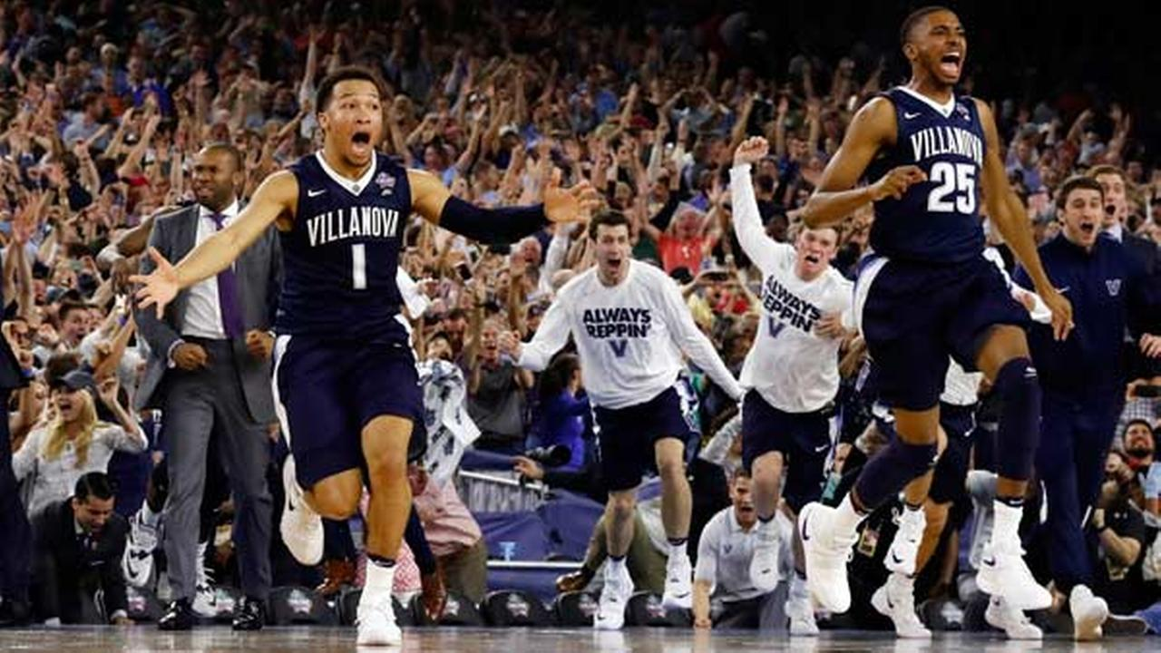Villanovas Jalen Brunson (1), Mikal Bridges (25) and their teammates celebrate after the NCAA Final Four tournament college basketball championship game.