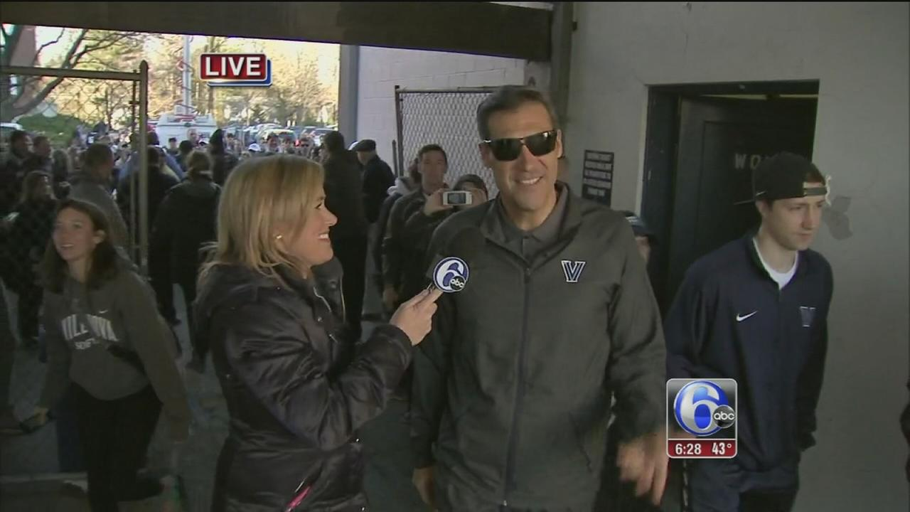 VIDEO: Jamie speaks to Jay Wright at Homecoming