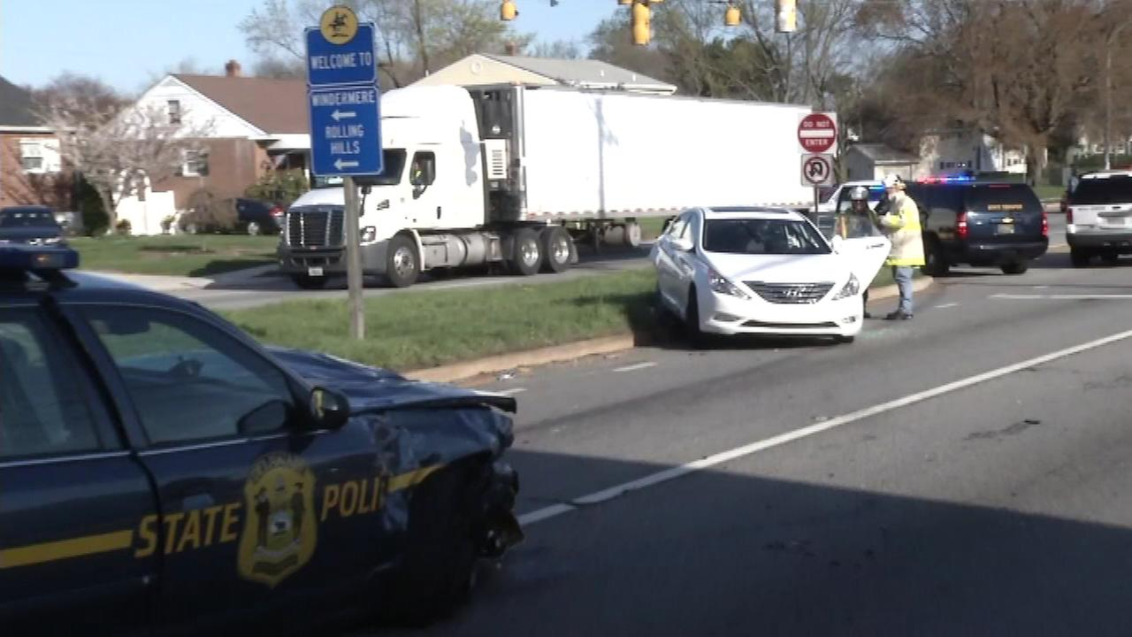 A Delaware State Trooper has been injured in a crash in New Castle County.