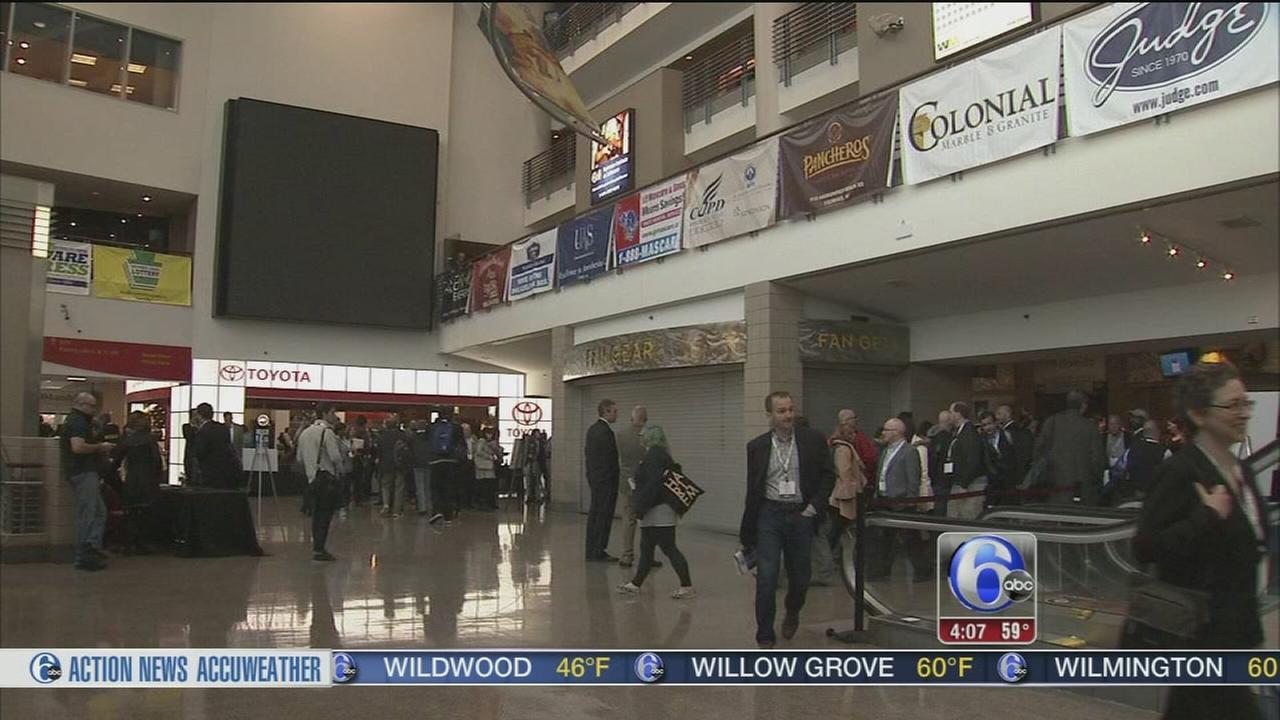VIDEO: Journalists tour DNC layout at Wells Fargo Center