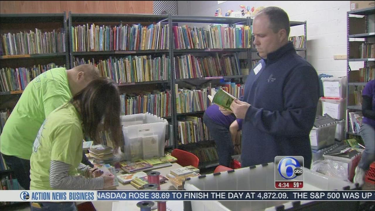 PECO donates time and effort to Cradles to Crayons
