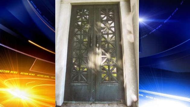 Plywood now covers the entrance where those ornate doors stood for more than 100 years. & 25000 mausoleum doors stolen from Philadelphia cemetery | 6abc.com Pezcame.Com