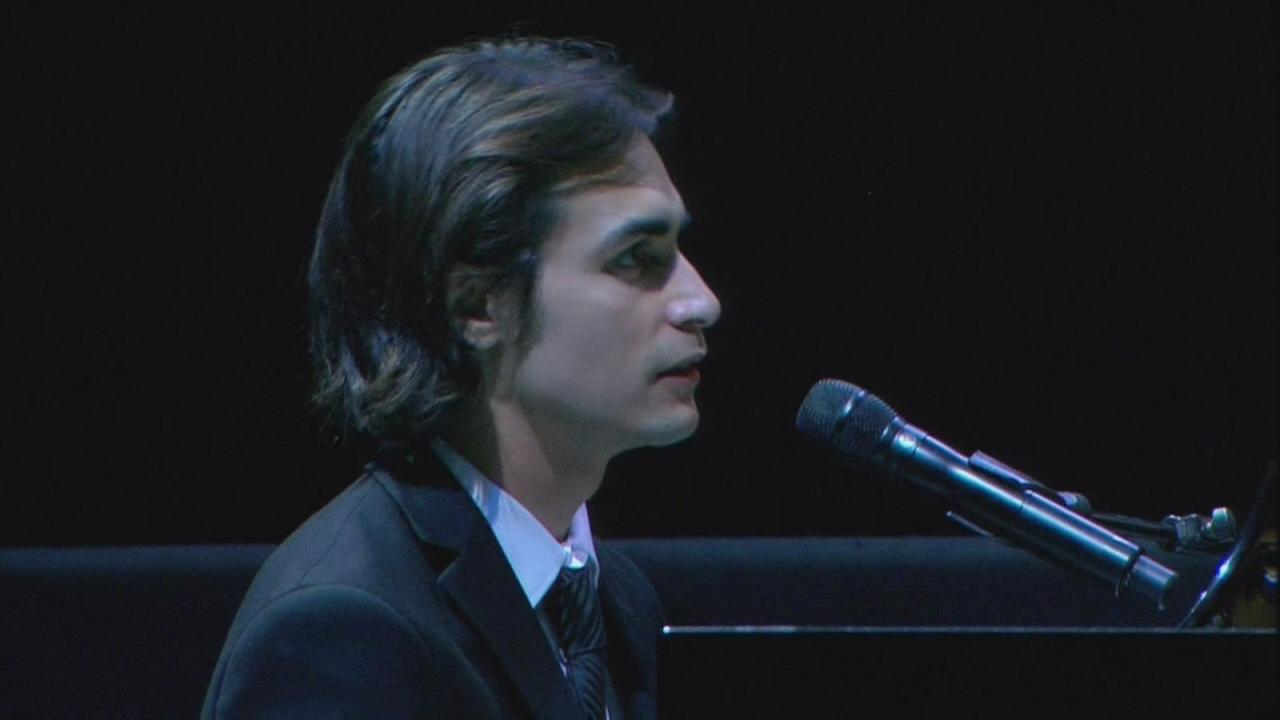 VIDEO: Ed Sniders grandson performs at memorial