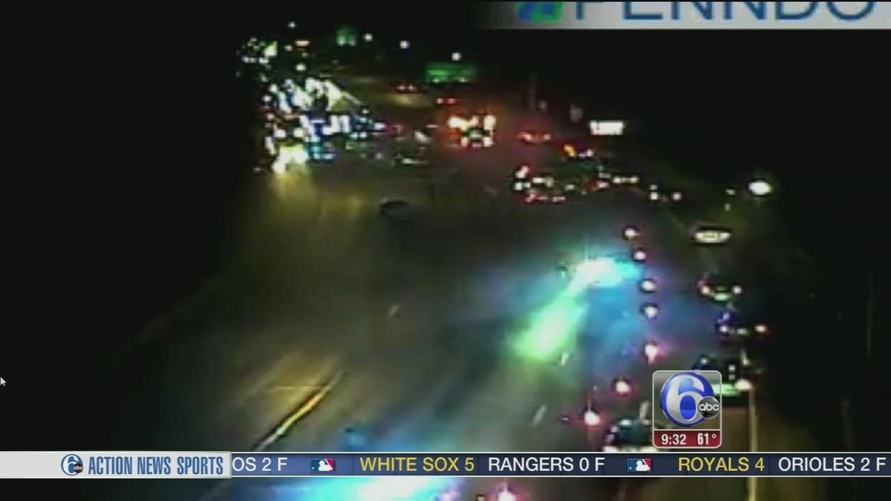 VIDEO: Two vehicles collide on Schuylkill Expressway