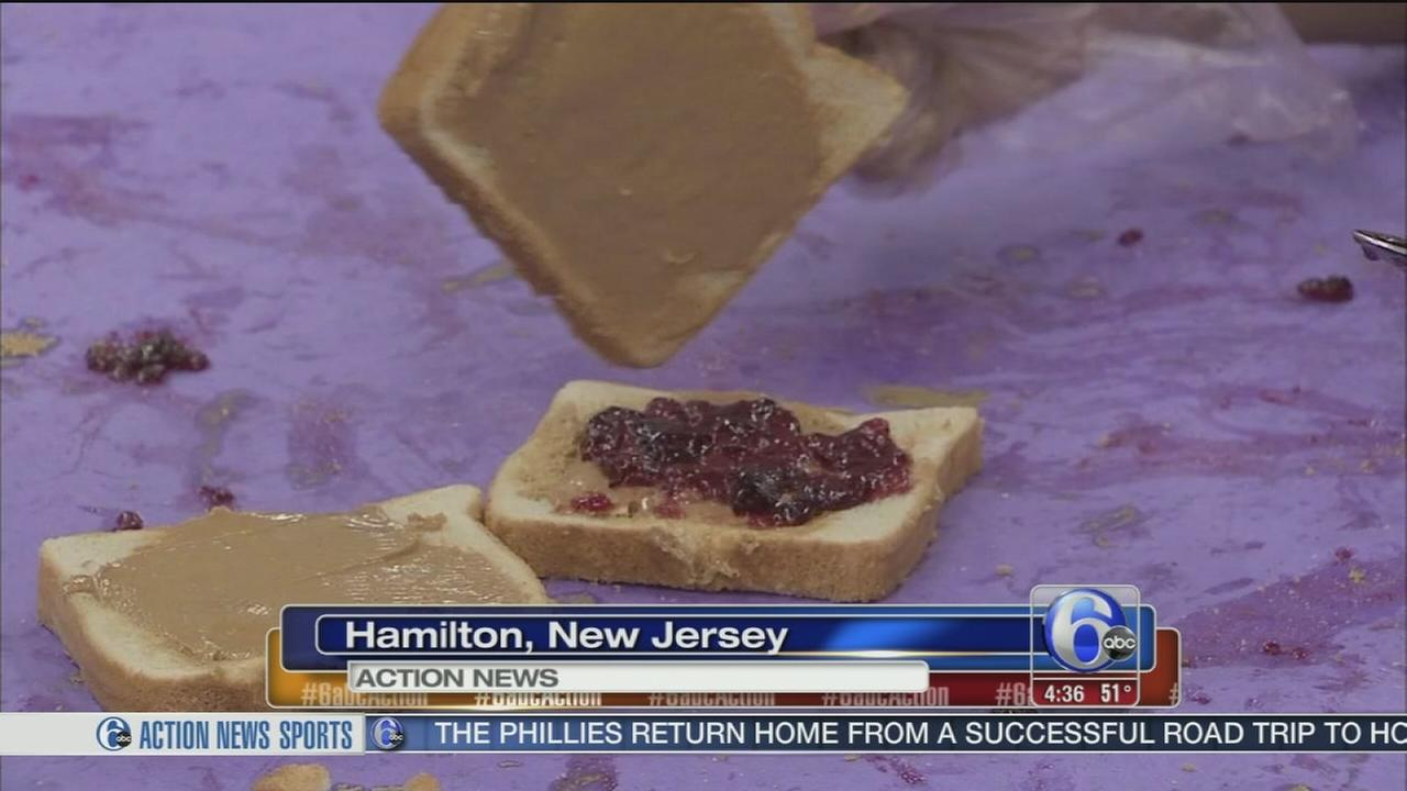 Kids pitch in to help the Trenton Area Soup Kitchen