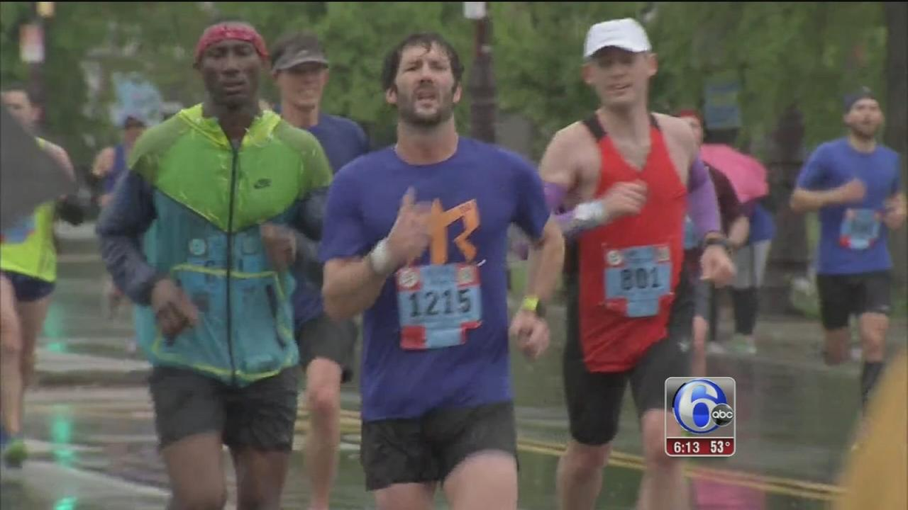 VIDEO: Rain cant stop runners at Broad Street Run