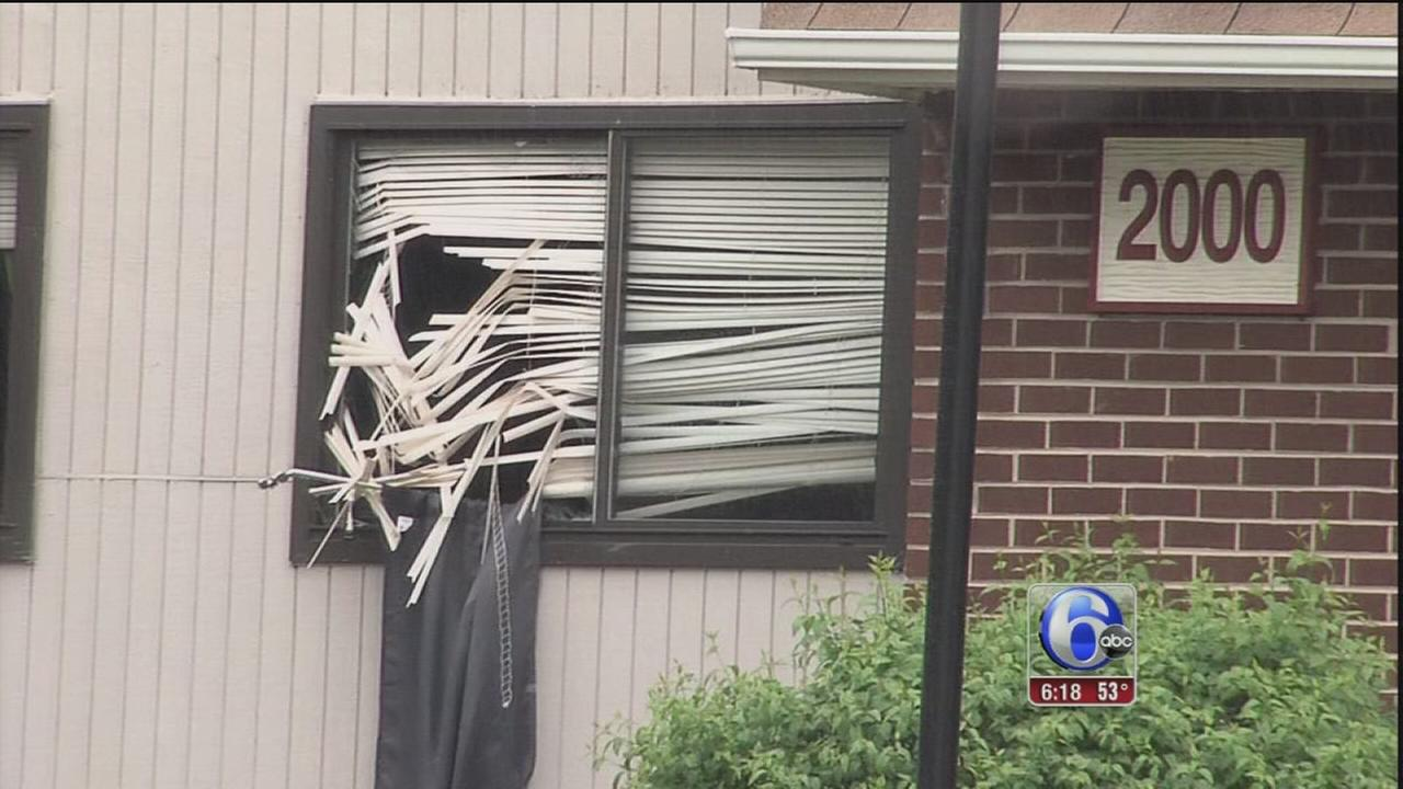 VIDEO: Man breaks into apartment, runs into room with sleeping kids