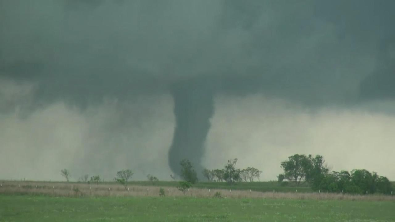 VIDEO: Tornado hits Oklahoma