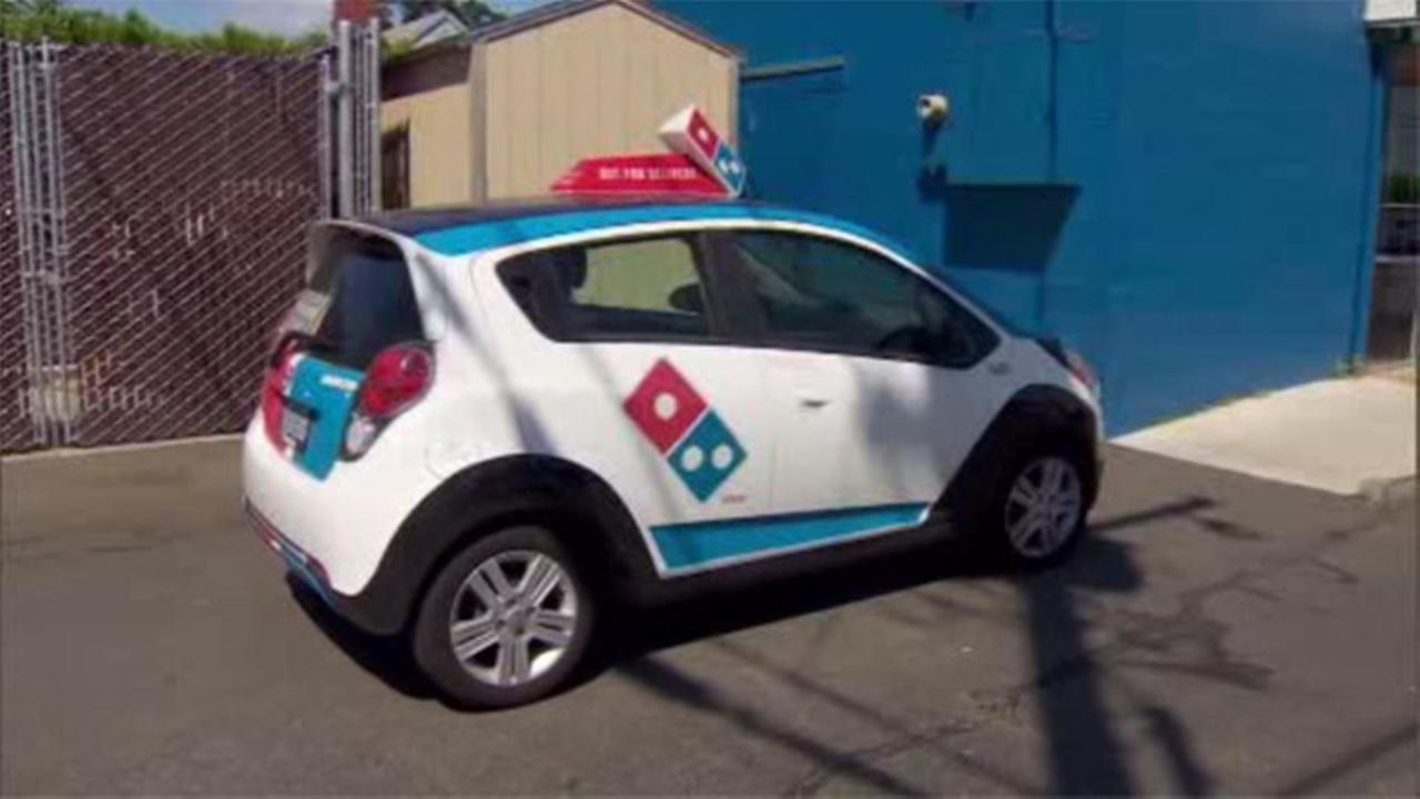 Dominos driver saves customer