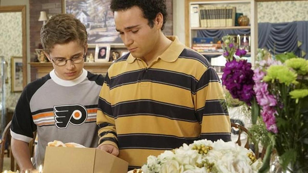 'The Goldbergs' pay tribute to late Flyers owner Ed Snider