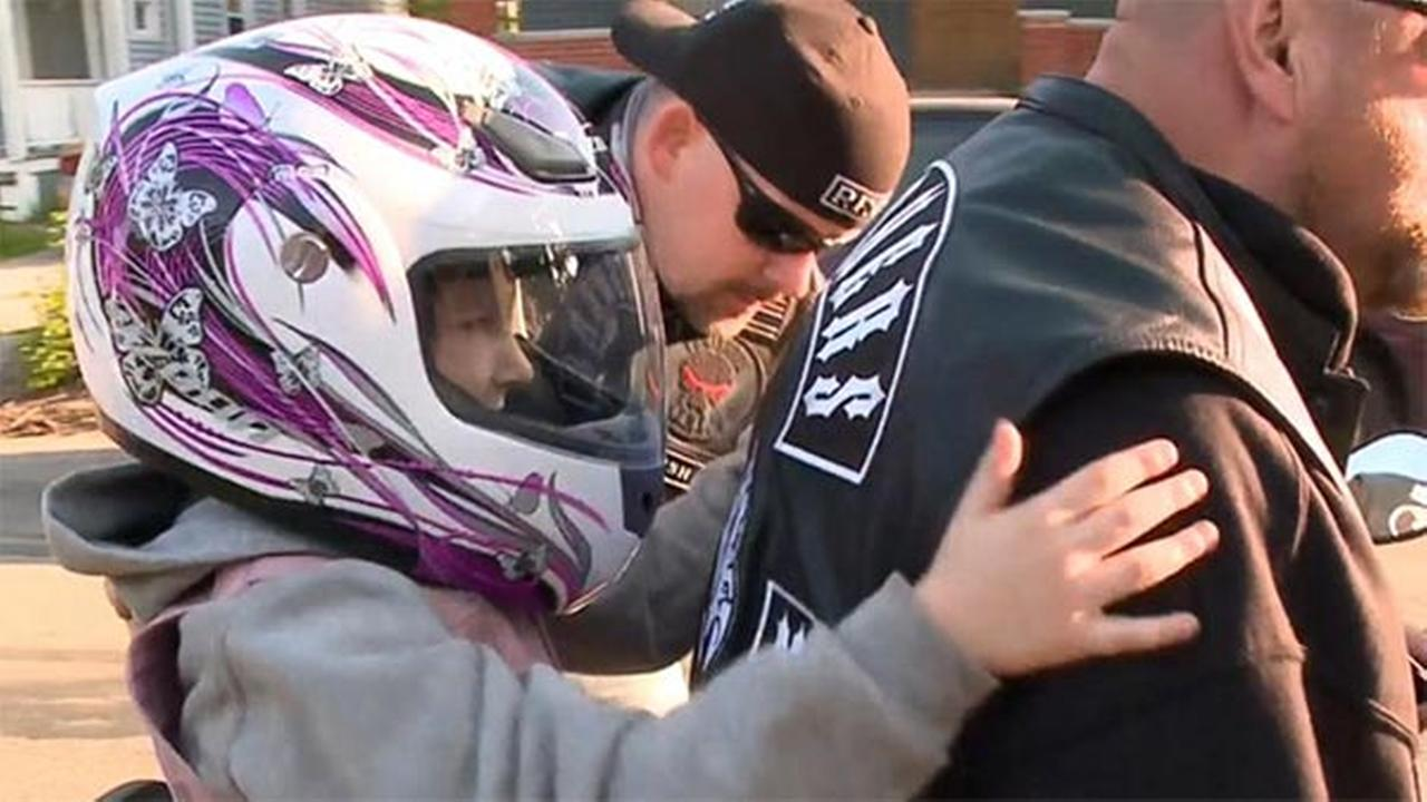 Motorcycle club gives allegedly bullied girl a ride to school
