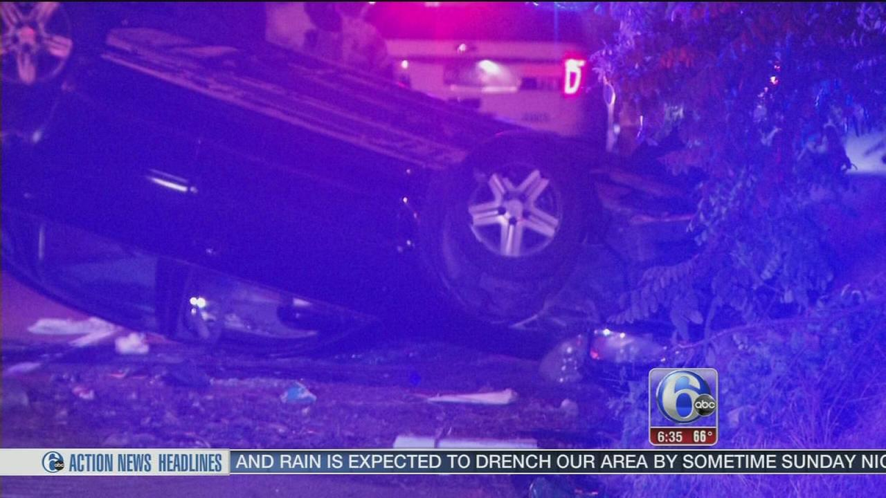 VIDEO: 2 injured in Roosevelt Boulevard crash
