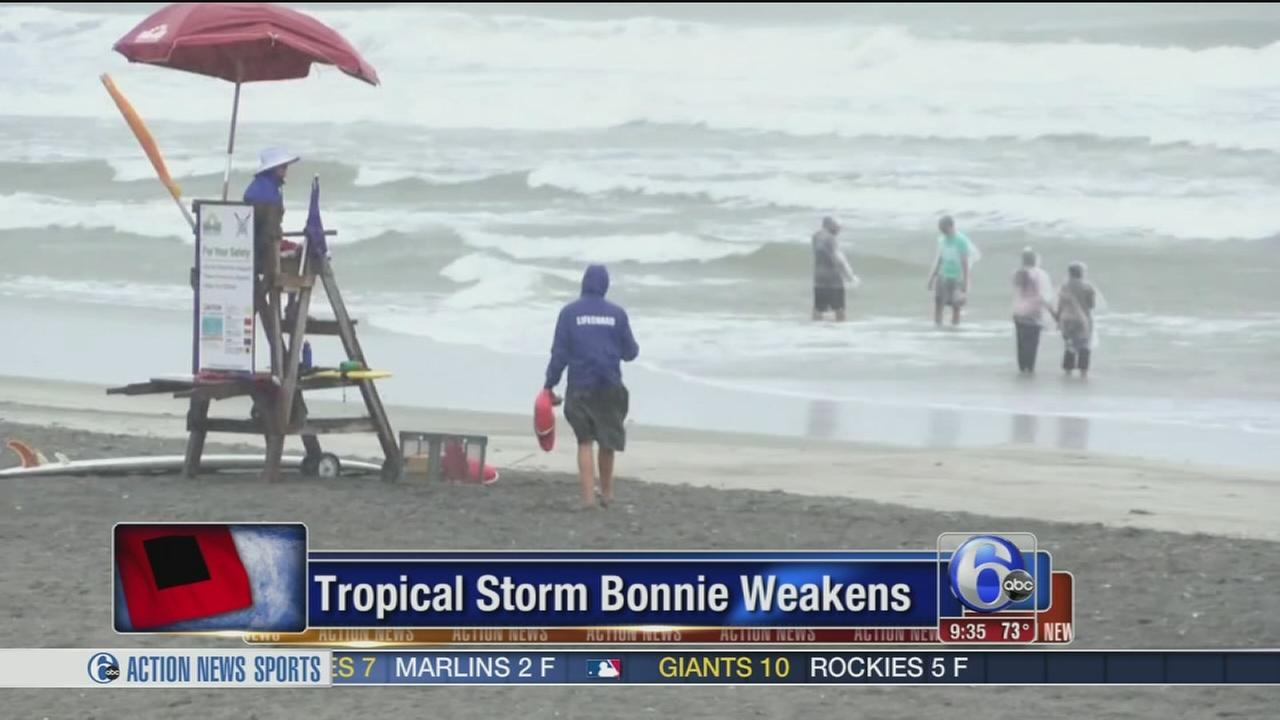 VIDEO: Tropical Storm Bonnie weakens