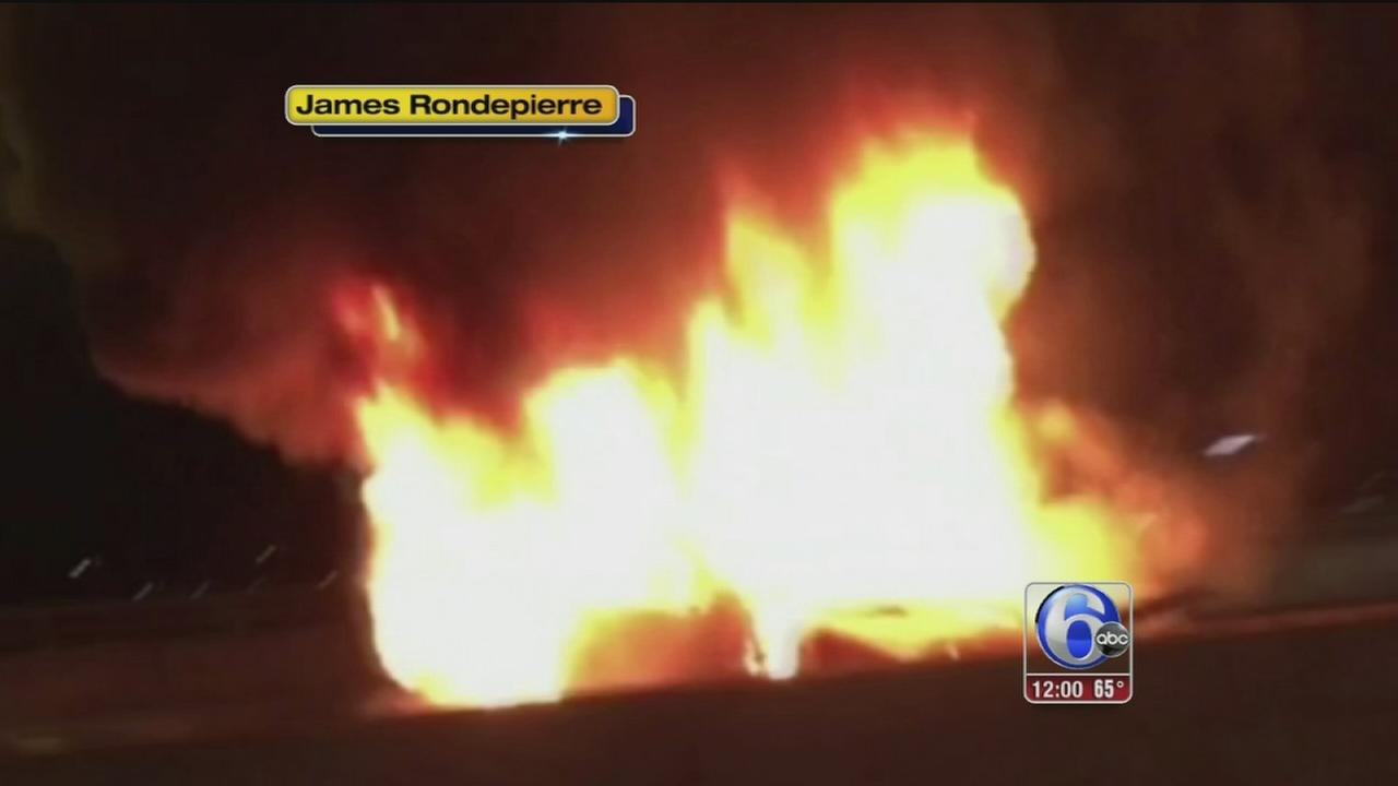VIDEO: Car fire