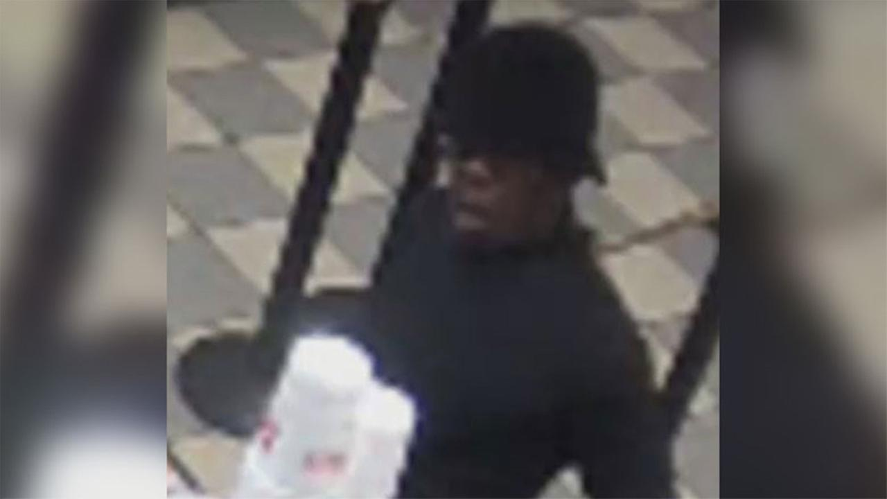 Police:Suspect sought in Dunkin Donuts robbery in South Philly