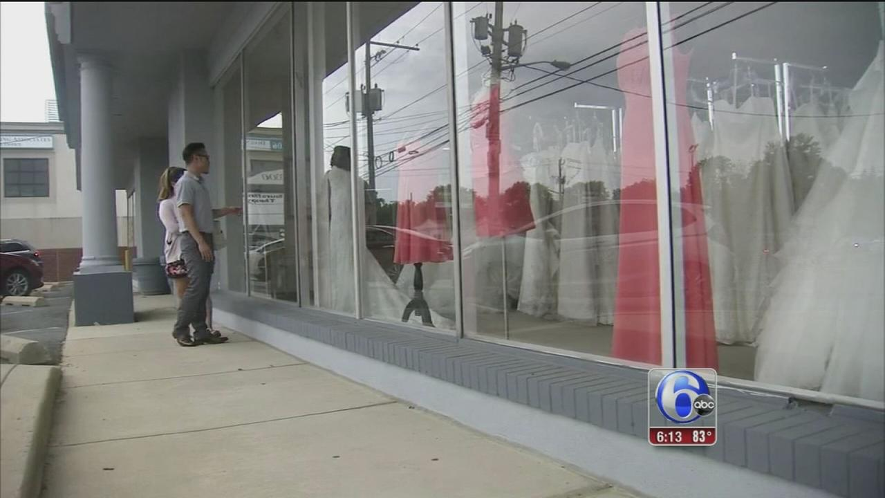 VIDEO: Brides upset after Delaware boutique unexpectedly closes