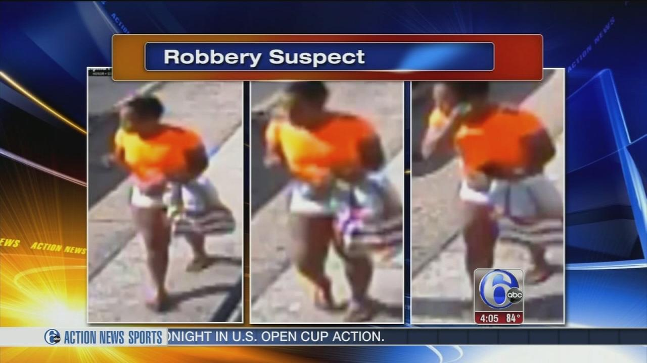 VIDEO: Man robbed at gunpoint in Olney