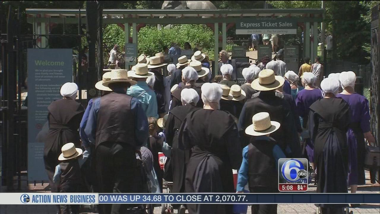 VIDEO: SEPTA helps Amish group to zoo