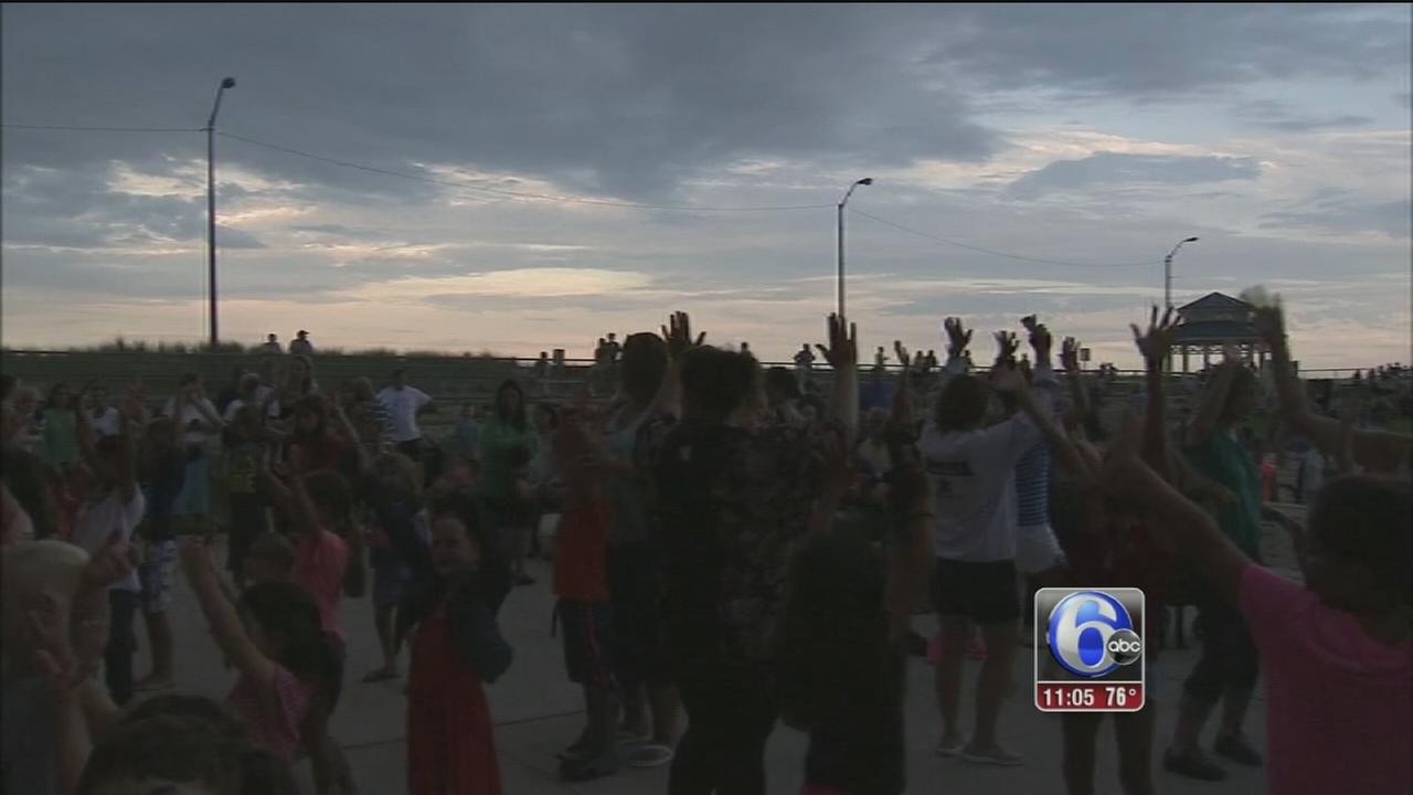 VIDEO: Jersey shore kicks off weekend