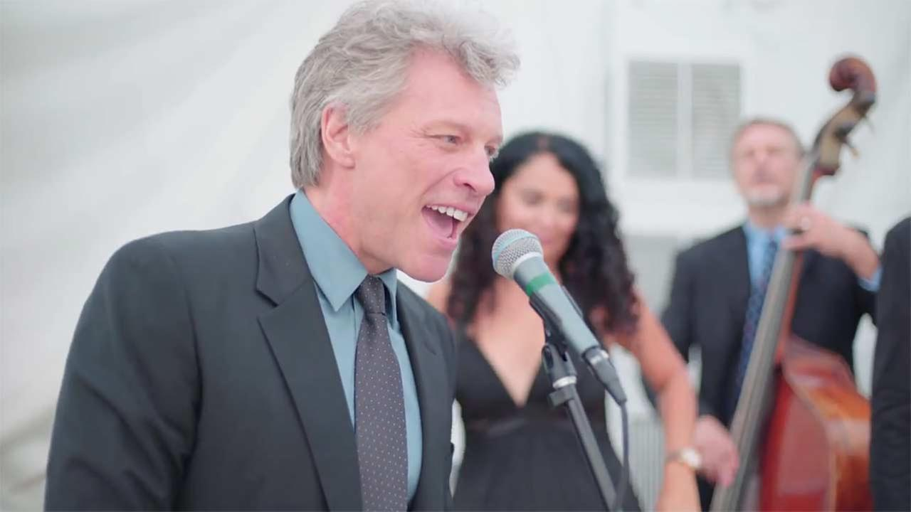 Jon Bon Jovi joins wedding band for Livin on a Prayer