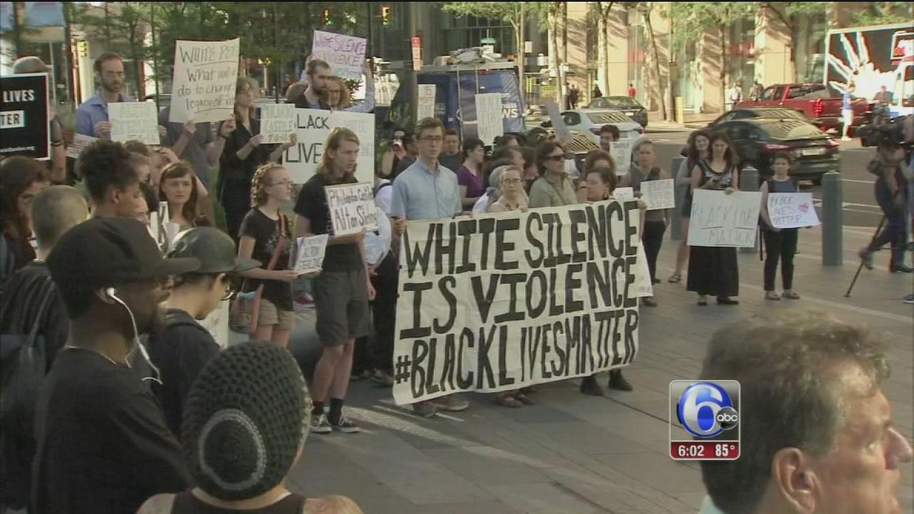 VIDEO: SURJ protest blocks traffic in Center City