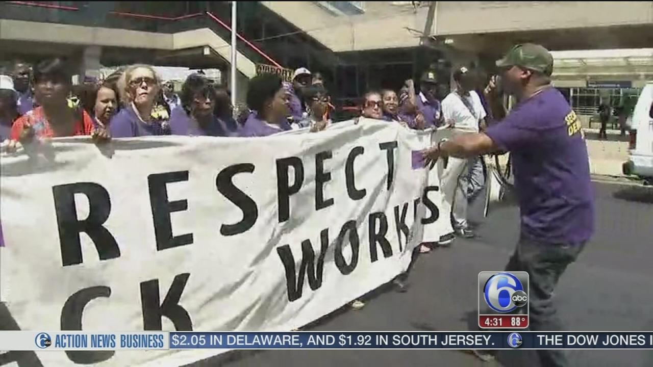 VIDEO: Airport workers protest