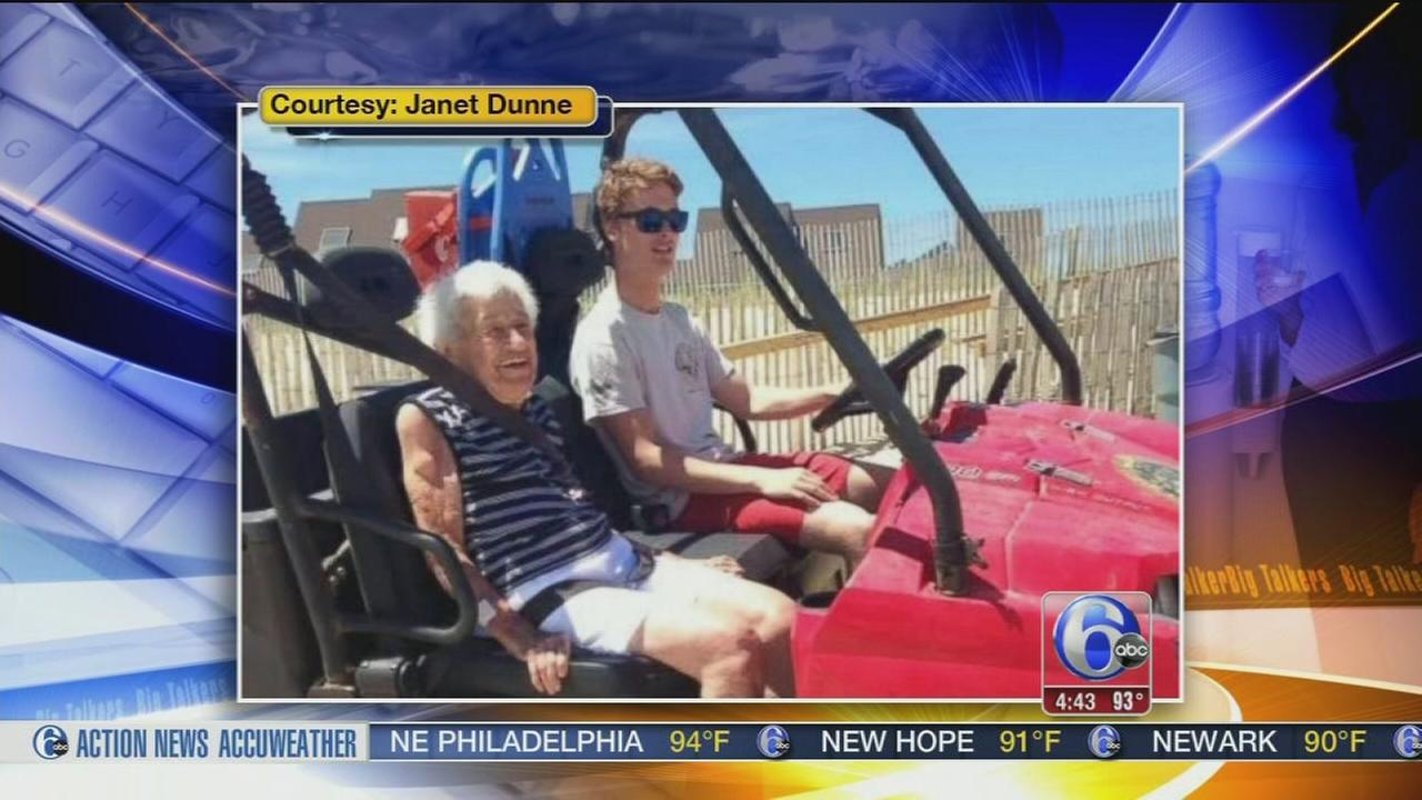 VIDEO: Lifeguard saves 94-year-old womans vacation by letting her see the waves
