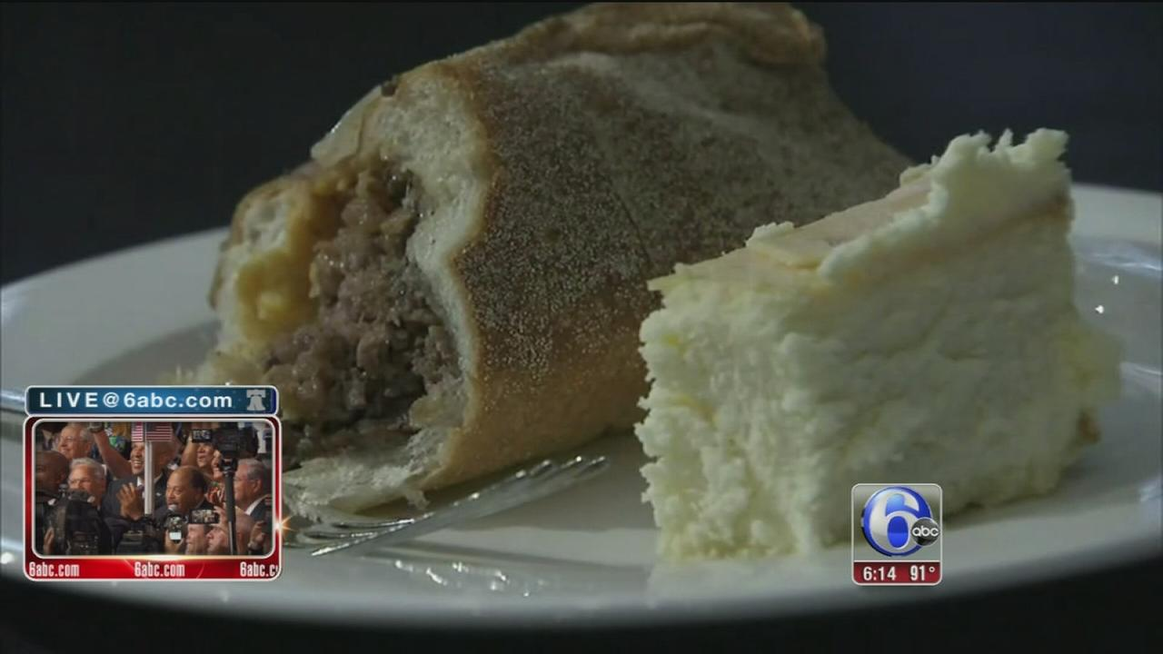 VIDEO: DNC showdown - Philly cheesesteak vs N.Y. cheesecake
