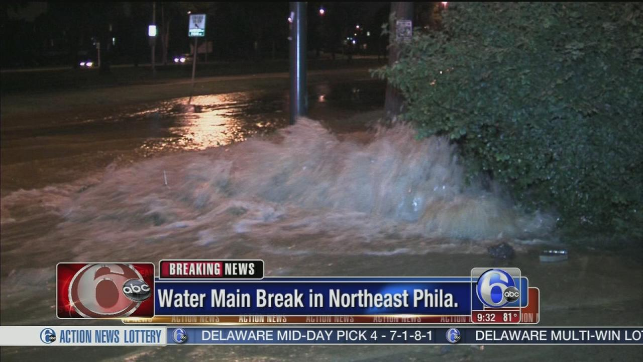 VIDEO: Water main break closes inner lanes