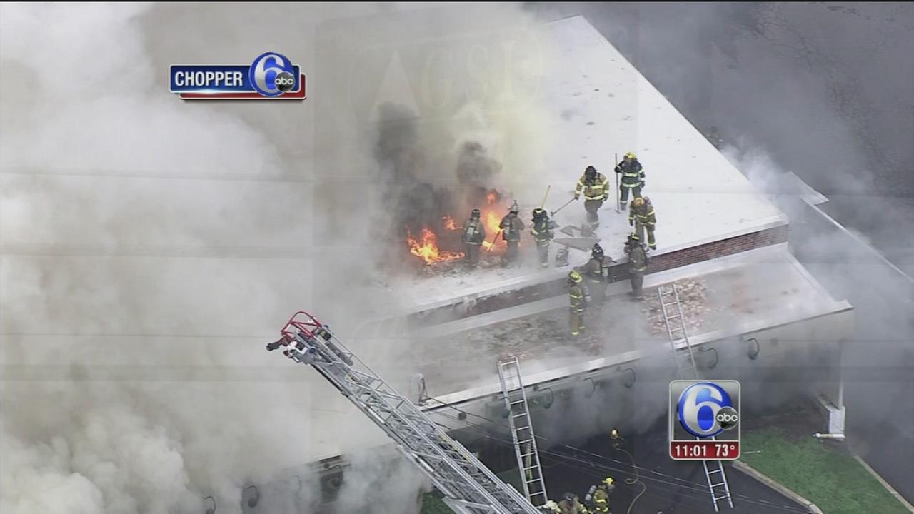 VIDEO: Strip mall fire in Doylestown