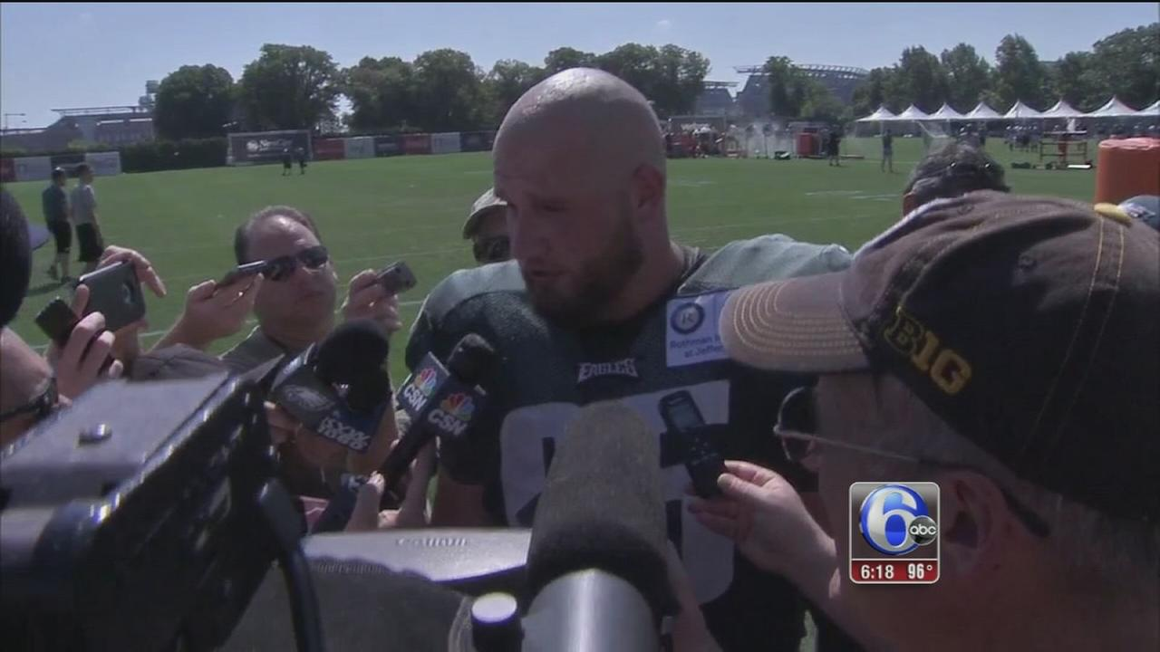 VIDEO: Eagles Lane Johnson