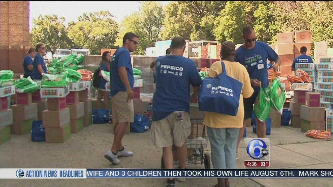 Big donation of food for struggling families in the area