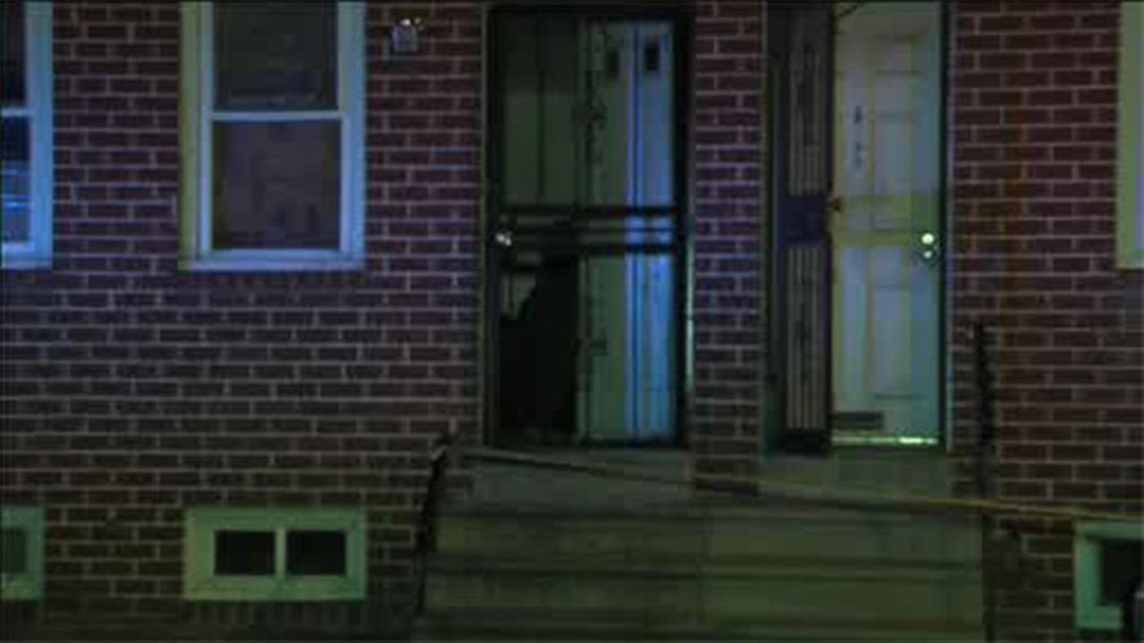 Man shot inside Grays Ferry house