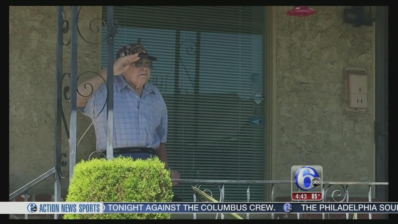 VIDEO: Touching tribute to WWII veteran goes viral