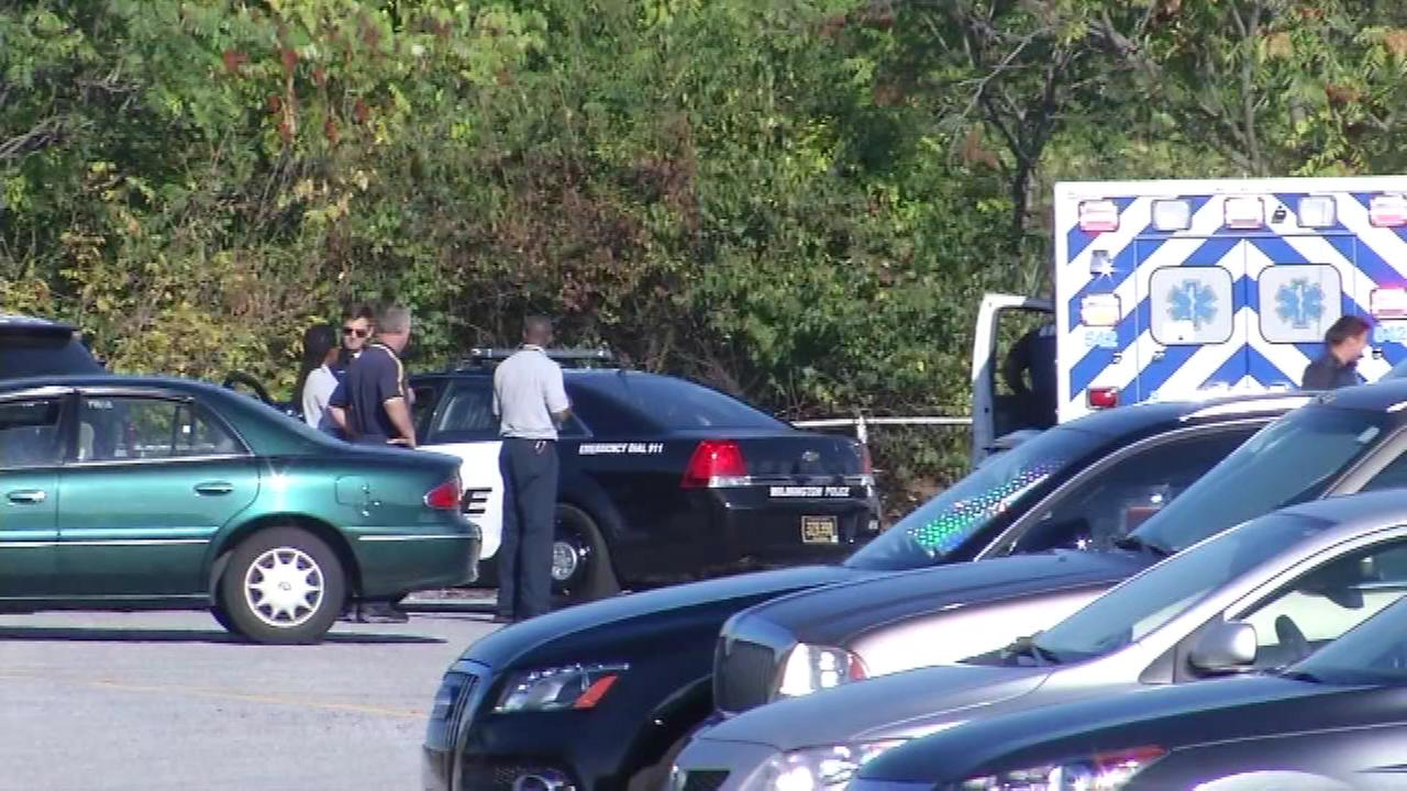 PICTURES: Body found on fence in Wilmington parking lot