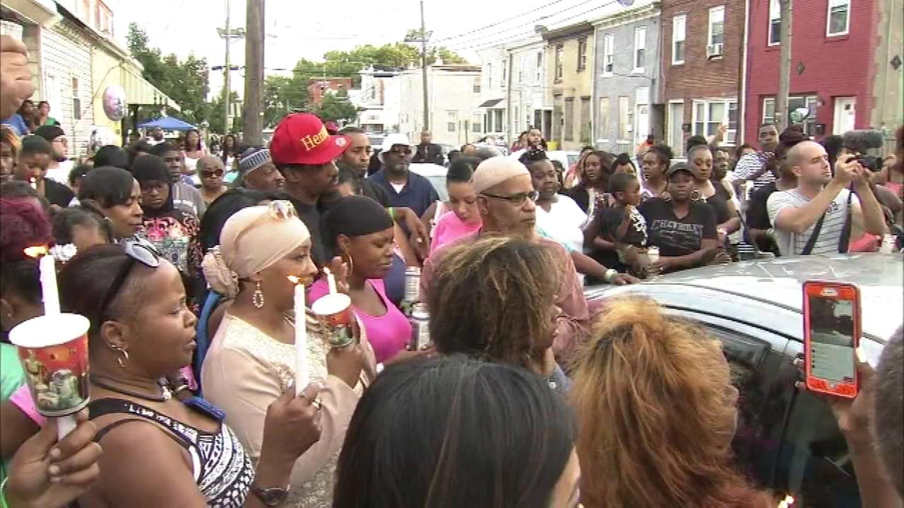 August 27, 2016: Family and friends of Gabrielle Carter gathered Saturday evening for a vigil to mourn the 8-year-old girl.