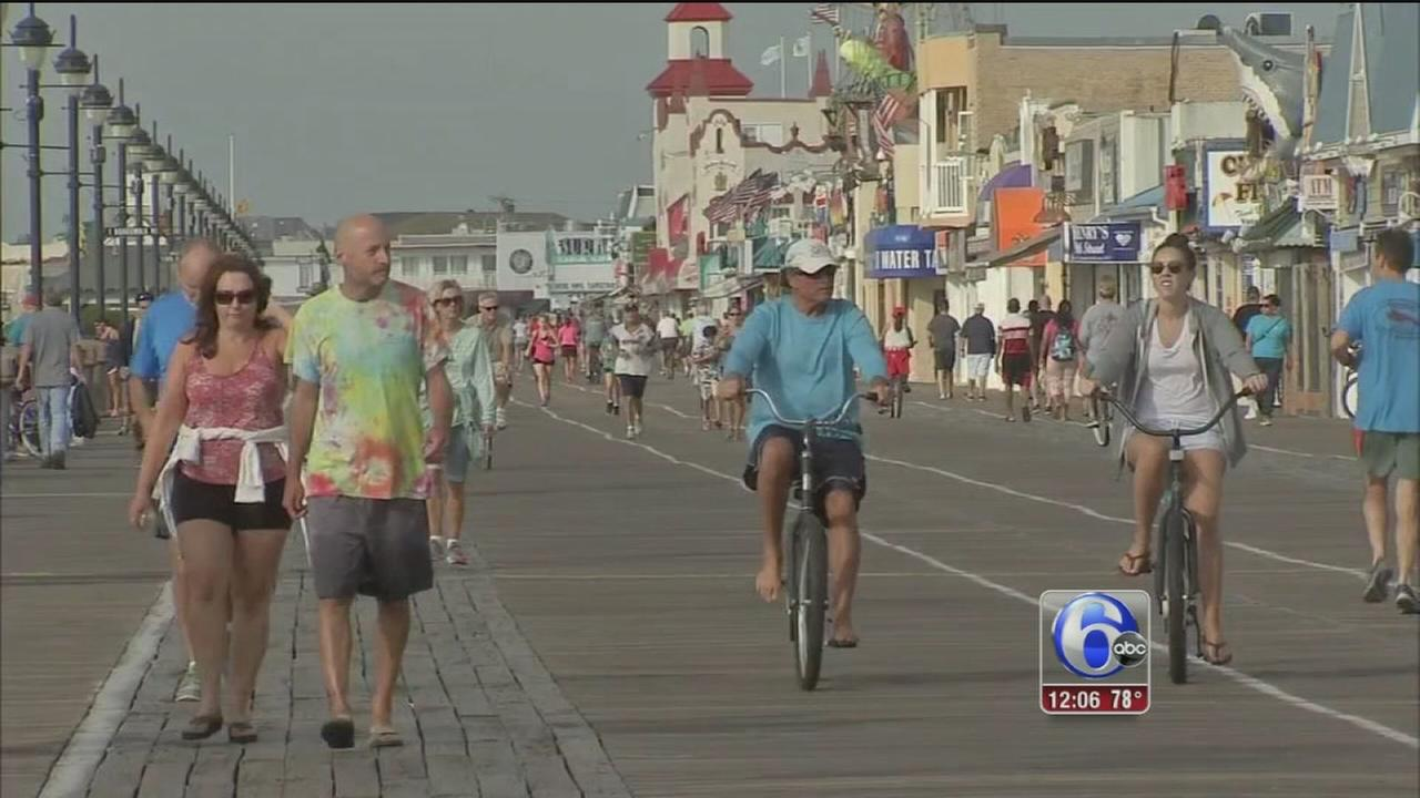VIDEO: Threat of storm didnt stop shoregoers