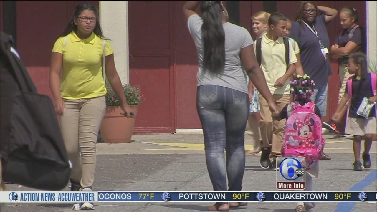 VIDEO: Schools in several school districts dismiss early due to heat