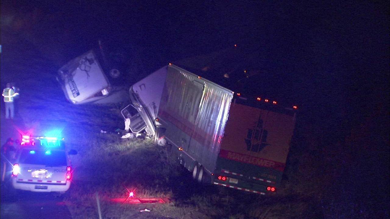 PICTURES: 6 injured in NJ Turnpike crash in Cherry Hill