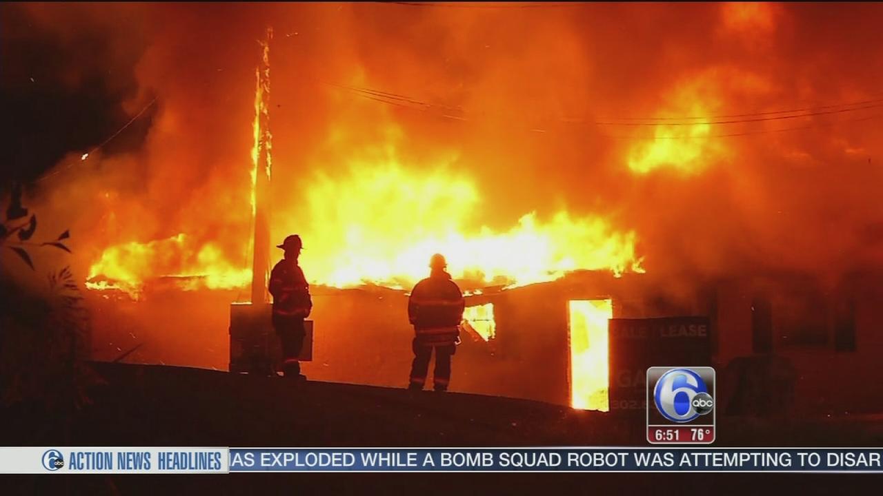 VIDEO: Massive flames destroy abandoned Wilmington restaurant