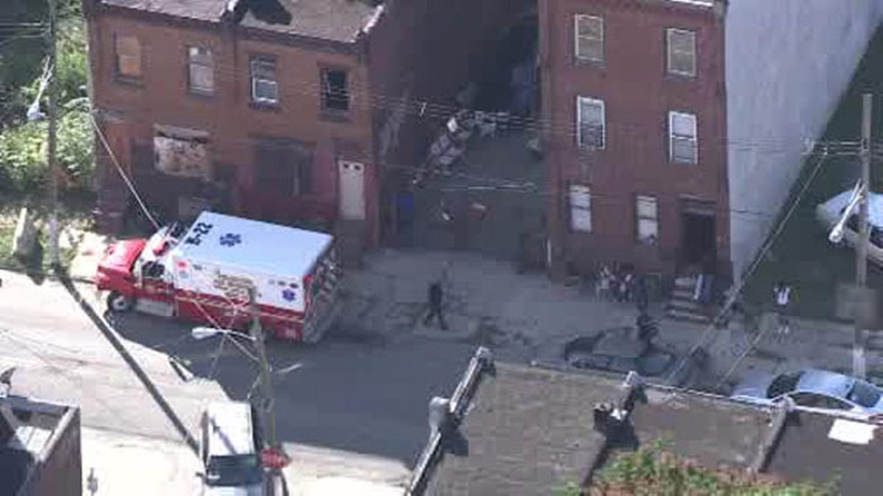 Man critical in Strawberry Mansion double shooting