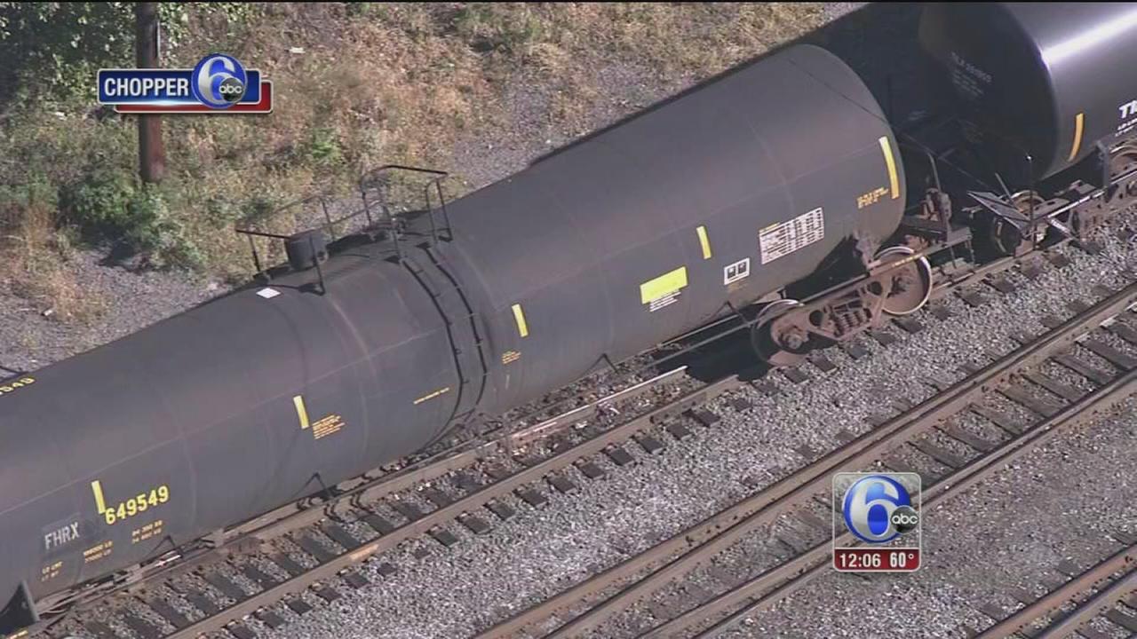 VIDEO: Train derails in Paulsboro, NJ